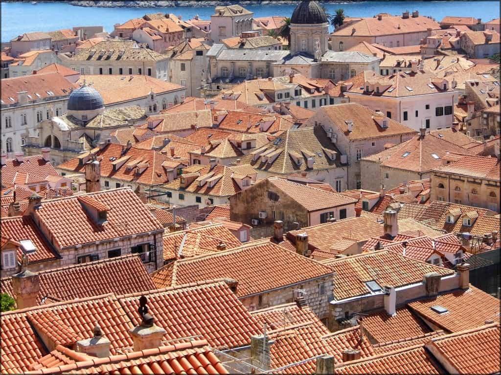 הגגות האדומים של דוברובניק
