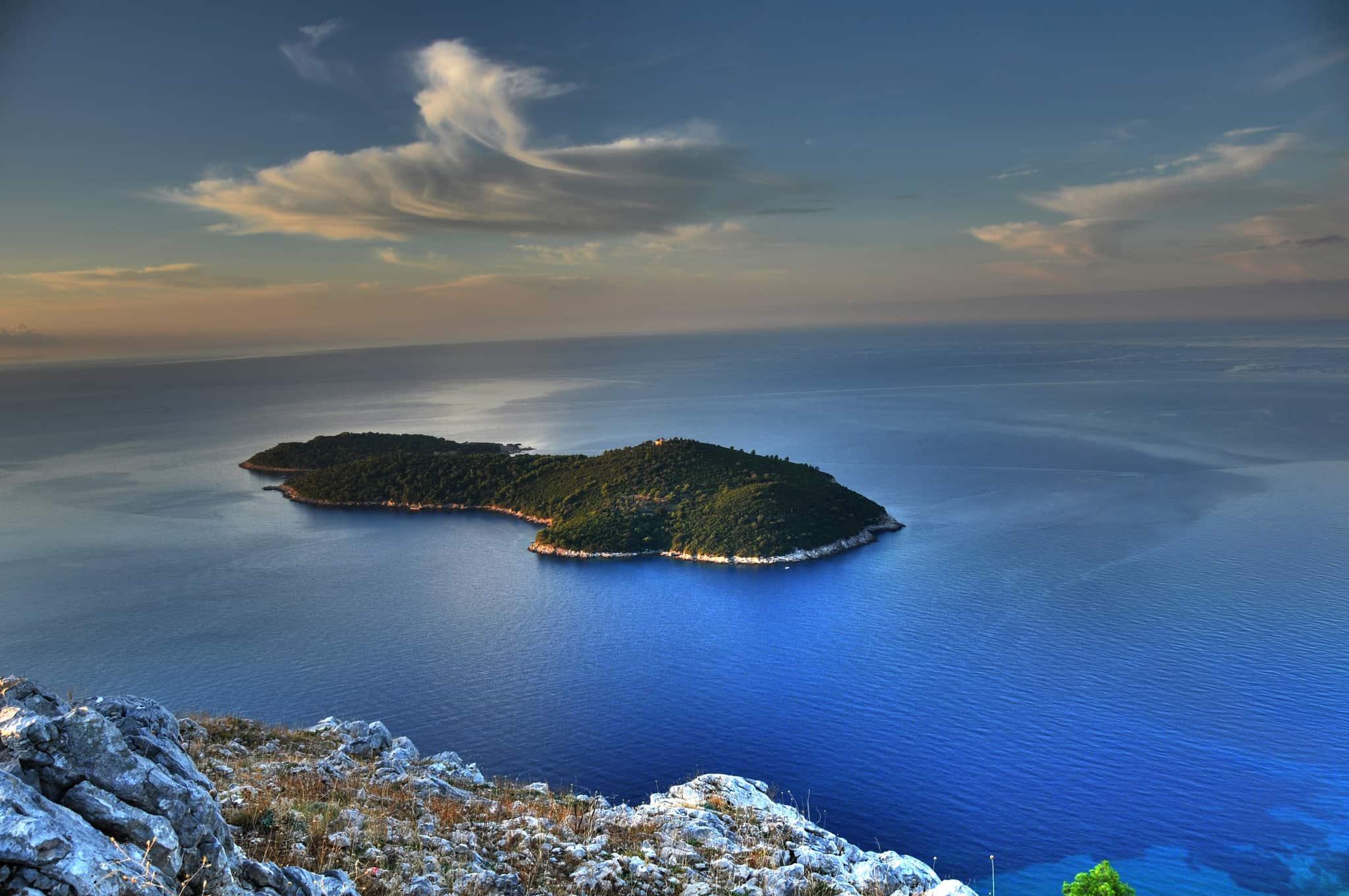 האי Lokrum מול דוברובניק