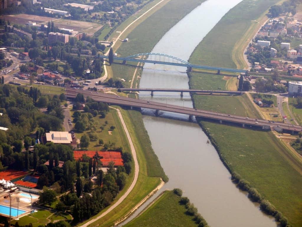 גשרים מעל נהר Sava בזגרב